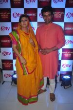 Juhi Parmar, Sachin Shroff at santosh maa serial launch on 25th Nov 2015 (10)_5656b63a54350.JPG