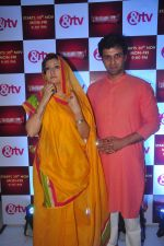 Juhi Parmar, Sachin Shroff at santosh maa serial launch on 25th Nov 2015 (7)_5656b6391a013.JPG
