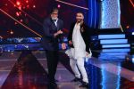 3 Amitabh and Ranveer in Aaj Ki Raat Hai Zindagi on 27th Nov 2015 (2)_565b0103306c8.JPG