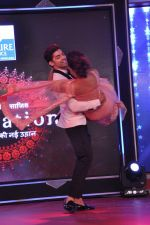 Debina and Gurmeet Chaudhary at ABP Saas Bahu Aur Saazish show anniversary on 27th Nov 2015 (108)_565b05cc51df7.JPG