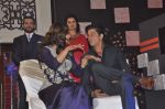 Kajol, Shahrukh Khan at ABP Saas Bahu Aur Saazish show anniversary on 27th Nov 2015 (86)_565b0a3819577.JPG