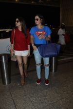 Parineeti Chopra, Sania Mirza snapped at airport on 28th Nov 2015 (34)_565b3a1fe8f4b.JPG