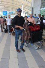 Sreesanth snapped at airport on 28th Nov 2015 (17)_565b3a4f2b2e7.JPG