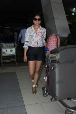 Shriya Saran snapped at Airport on 29th Nov 2015