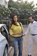 sonali bendre snapped at filmcity on 29th Nov 2015 (5)_565c4451eb07f.JPG