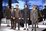 Amaan Ali, Ayaan ali walks for shantanu nikhil Show on 1st Dec 2015 (57)_565eab8501529.JPG