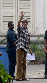 Amitabh Bachchan on location in Kolkata on 1st Dec 2015