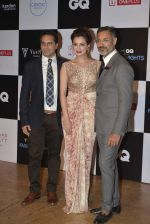 Dia Mirza at GQ Fashion Nights Red Carpet on 1st Dec 2015 (29)_565eef33cafd3.JPG
