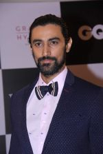 Kunal Kapoor at GQ Fashion Nights Red Carpet on 1st Dec 2015 (200)_565ef05377895.JPG