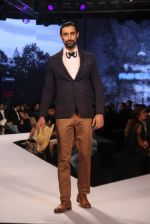 Kunal Kapoor walks for Van Heusen show on 1st Dec 2015