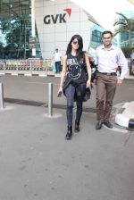 Shruti Haasan snapped at airport on 1st Dec 2015 (19)_565eaa0fbb5dd.JPG