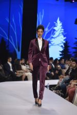 Tina Desai walk for troy costa Show on 1st Dec 2015 (11)_565eaef3c250a.JPG