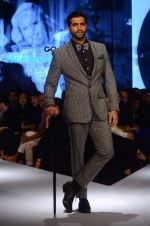Akshay Oberoi on day 2 of GQ Fashion Nights on 3rd Dec 2015 (154)_56605da561038.JPG