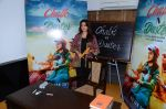 Juhi Chawla at the launch of film Chalk and Duster on 2nd Dec 2015 (34)_56605c6e68c87.JPG