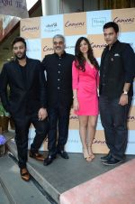 Akshay Oberoi, Nishka Lulla, Nachiket barve at Canvas by Jet Gems launch on 3rd Dec 2015 (87)_56615c5510afc.JPG