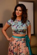 Sunny Leone snapped on 3rd Dec 2015