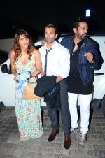 Karan Singh Grover, Rocky S and Bipasha Basu snapped at PVR on 4th Dec 2015 (30)_5662d77daeeb8.JPG