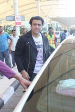 Govinda snapped at the airport on 6th Dec 2015 (14)_566533722f500.JPG
