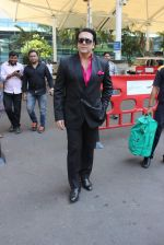 Govinda snapoped at airport on 7th Dec 2015 (14)_566693a539ce1.JPG