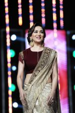Madhuri Dixit and Richa at Marrakech festival on 7th Dec 2015 (29)_566695be42a51.JPG