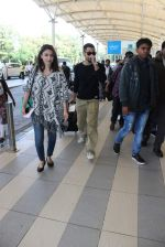 Soha Ali Khan, Kunal Khemu snapoped at airport on 7th Dec 2015 (19)_566693e7c0197.JPG