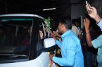 Dharmendra celebrates bday with fans on 8th Dec 2015 (13)_5667c249d7bb5.JPG