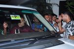 Dharmendra celebrates bday with fans on 8th Dec 2015 (5)_5667c243ee41f.JPG