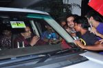Dharmendra celebrates bday with fans on 8th Dec 2015 (7)_5667c2457250f.JPG