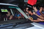 Dharmendra celebrates bday with fans on 8th Dec 2015 (8)_5667c2466ea9c.JPG