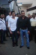 Shahrukh Khan and Salman Khan snapped at Mehboob on 8th Dec 2015