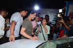 Shahrukh Khan snapped at Mehboob on 8th Dec 2015