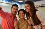 Kriti Sanon and Varun Dhawan on take a selfie with Gopi on the sets of Saathiya for a Dilwale Integration
