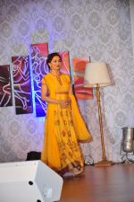 Madhuri Dixit launches dance channel on tata sky on 10th Dec 2015 (14)_566a886b5316d.JPG