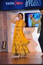 Madhuri Dixit launches dance channel on tata sky on 10th Dec 2015 (25)_566a8871d9cf6.JPG
