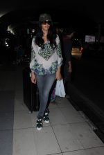 Mallika Sherawat snapped at Airport on 10th Dec 2015 (3)_566a89bc3974c.JPG