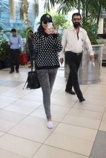 Sonakshi Sinha snapped at Airport on 10th Dec 2015