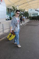 Chang snapped at airport on 11th Dec 2015 (13)_566c11a4cab0e.JPG