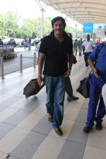 Chunky Pandey snapped at airport on 11th Dec 2015 (7)_566c11b15139d.JPG