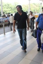 Chunky Pandey snapped at airport on 11th Dec 2015 (8)_566c11b2186ef.JPG