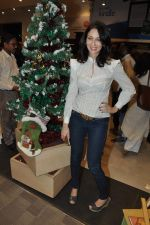 Saumya Tandon at DIRECTOR PIYUSH JHA_S BOOK RAAKSHAS-INDIA_S NO 1 SERIAL on 11th DEc 2015 (1)_566c1211530ce.JPG