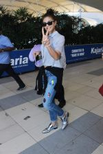 Jacqueline Fernandez snapped at airport on 12th Dec 2015