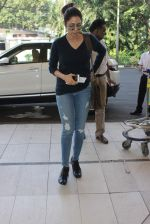 Sridevi snapped at airport on 12th Dec 2015 (18)_566d8c1443ddc.JPG