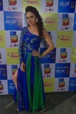 Amruta Khanvilkar at Mirchi Top 20 on 14th Dec 2015 (29)_566fd550e4b97.JPG