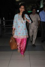 Juhi Chawla snapped at airport on 14th Dec 2015 (2)_566fd37ed1d03.JPG