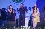 Salman Khan at ladies tennis opening ceremony at Vashi on 14th Dec 2015