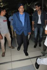 Dharmendra snapped at Airport on 15th Dec 2015