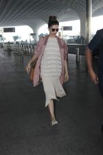 Deepika Padukone snapped at airport on 16th Dec 2015