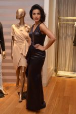 Deepti Gujral at Shivani Awasty collection launch at AZA on 16th Dec 2015 (112)_567275f3b7123.JPG