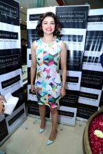 Prachi Desai at Shoppers Stop launch in Delhi on  16th Dec 2015 (17)_56726afe1e208.JPG