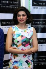 Prachi Desai at Shoppers Stop launch in Delhi on  16th Dec 2015 (6)_56726af849904.JPG